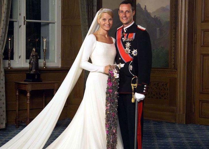 Royal Family News: Shameless Prince Harry Has Four Book Deals?